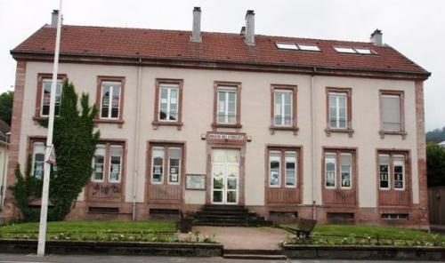 Maison des syndicats St-Dié.JPG